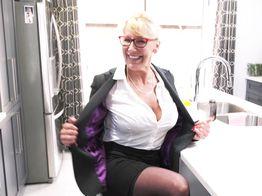 Bianca, 59, very energetic English teacher!